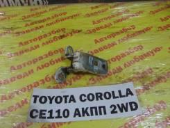 Крепление двери перед. прав. верх. Toyota Corolla CE110 Toyota Corolla CE110 1995