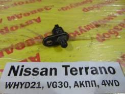 Концевик двери перед. лев. Nissan Terrano WHYD21 Nissan Terrano WHYD21 1992