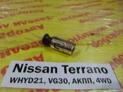 Прикуриватель перед. Nissan Terrano WHYD21 Nissan Terrano WHYD21 1992