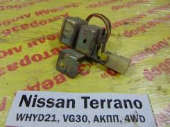 Реле Nissan Terrano WHYD21 Nissan Terrano WHYD21 1992