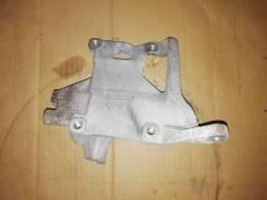 Кронштейн крепления компрессора кондиционера Subaru