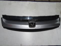 Решетка радиатора Honda Stream 2004
