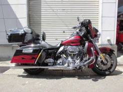 Harley-Davidson CVO Ultra Classic Electra Glide FLHTCUSE6, 2011