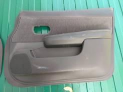 Обшивка двереи передняя правая Nissan Tiida 1, Tiida Latio 1
