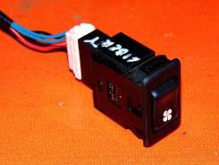 Кнопка включения заднего кондиционера. 27662WF100