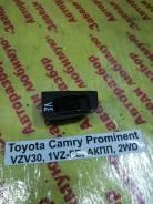 Кнопка стеклоподъемника Toyota Camry Prominent Toyota Camry Prominent 1990.09, левая задняя