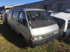 Nissan Largo, 1990