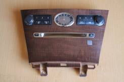 Консоль магнитофона Nissan FUGA Y50 часы