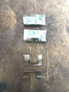Зажимы передних тормозных колодок Honda Fit GD1