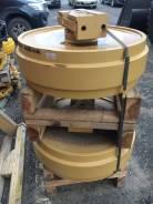 Komatsu D155. Колесо направляющее 17A-30-00040