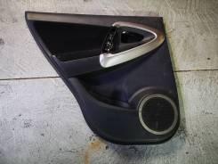Обшивка задней левой двери Toyota RAV4 ACA36
