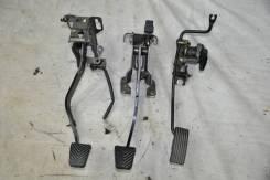 Педали (комплект) MMC Pajero IO H76W, 4G93 2000 г.