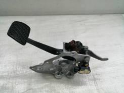 Педаль тормоза. Nissan Leaf, ZE0 EM61