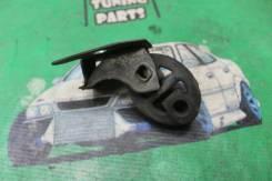 Крепление глушителя подушка Toyota Windom MCV30