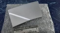Заглушка под фару в рейлинге левая Nissan X-Trail T31 26617JG00A