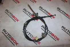 Трос ручника правый Toyota Ipsum ACM21