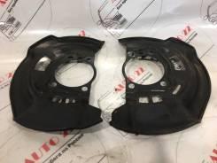 Щиток тормозного диска передний правый/левый Toyota RAV-4 ACA31