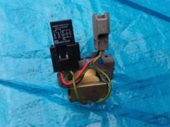 Реле и резистор Jeep Cherokee / Liberty KJ 04г 3.7L V6