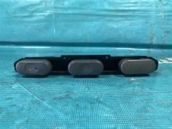 Кнопка аварийной сигнализации Mitsubishi Delica 1995 [MR149201,MR250780,MR149203,MB958592,MR250783]