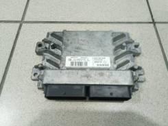 Блок управления двигателем Renault Sandero Stepway 2011 года.