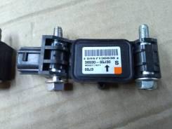 Датчик airbag. Suzuki Escudo, TA74W, TD54W, TD94W Suzuki Grand Vitara, TA04V, TA0D1, TA44V, TA74V, TA7D1, TAA4V, TD04V, TD0D1, TD14V, TD44V, TD54V, TD...
