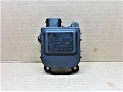 Моторчик привода заслонок отопителя - Volkswagen Passat ) 1997-2005 |