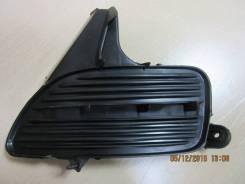 Продам левую заглушку в бампер Toyota Corolla 02-04г.