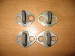 Ответная часть замка двери Hyundai Sonata III 1993-1998 [8135034000]
