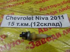 Концевой выключатель тормоза Chevrolet Niva Chevrolet Niva 2011