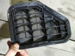 Решетка вентиляций багажника левая зад. Volkswagen Tiguan 2015г