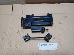 Кронштейн блока управления двигателем Chevrolet spark m300
