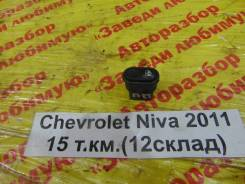 Кнопка стеклоподъемника Chevrolet Niva Chevrolet Niva 2011