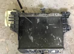 Радиатор охлаждения двигателя. Daihatsu Rocky, F300S