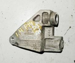 Кронштейн генератора верхний 1.4i Chevrolet Lacetti 2003-2013 [96490467]