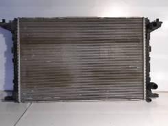 Радиатор охлаждения двс Audi A4 B9 8W0121251K