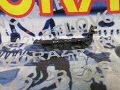 Клипса крепления бампера правая Honda Civic, EU1, EU2, EU3, EU4