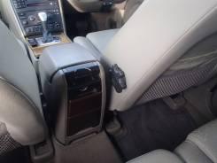 Бардачок между сиденьями. Volvo XC90