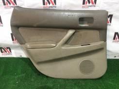 Обшивка дверей Toyota Vista, левая задняя SV40