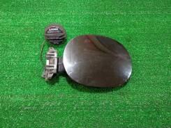 Лючок бензобака Infiniti FX35 FX45 / черный