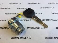 Личинка двери передняя левая с ключом Honda 72146-S04-003