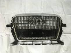 Решетка радиатора. Audi Q5, 8RB AAH, CDUC, CDUD, CGLC, CGLD, CGQB, CHJA, CJCA, CJCB, CJCD, CMGB, CNCB, CNCD, CNCE, CNHA, CNHC, CPMA, CPMB, CPNB, CSUA...