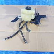 Бачок тормозной жидкости toyota prius zvw30-04