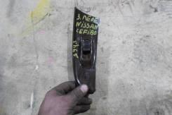 Кнопка электроподъёмника задняя левая Cefiro 2001г