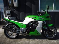 Kawasaki Ninja 900, 2001