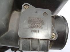 Датчик расхода воздуха Toyota Camry 2005