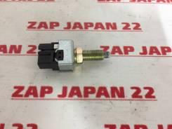 Концевик под педаль тормоза Mitsubishi Delica PD6W 6G72