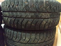 Bridgestone Ice Cruiser 7000. зимние, шипованные, 2012 год, б/у, износ 30%