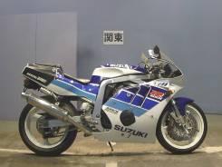 Suzuki GSX-R 400, 1990