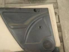 Продам обшивку зад. левой двери на Pontiac Vibe, Toyota Matrix