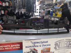 Решетка радиатора Toyota AQUA